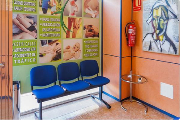 sala de espera fisioterapia y osteopatía - clínica ignacio martínez gayoso - Molina de Segura - Murcia
